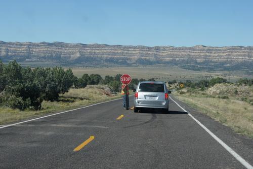 Wegwerkers op de weg van Torrey naar Bryce Canyon NP