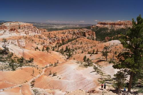 Verder naar beneden, de canyon in