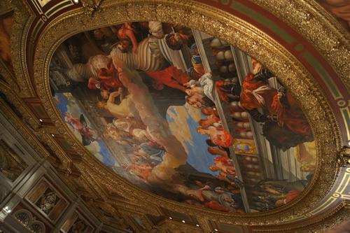 Plafond bij entree van Venetian