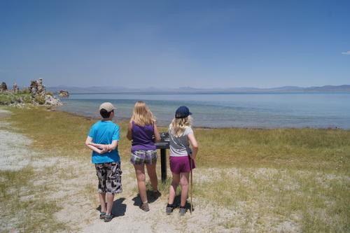 Aan de oever van Mono Lake