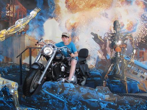 Kees op de motor van de Terminator